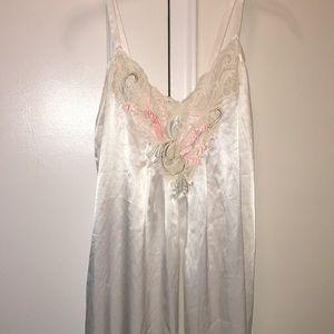 Natori night gown
